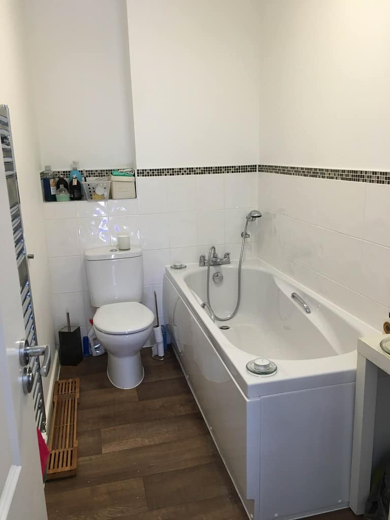bathroom after cleaning